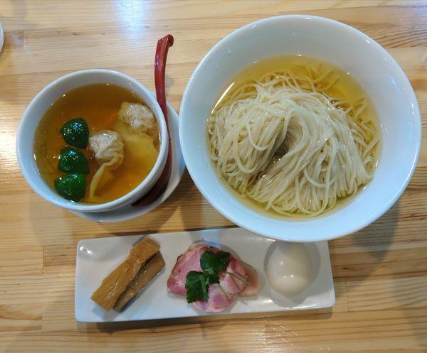 「特級白醤油つけ麺 限定焼豚」@自家製麺 くろ松の写真