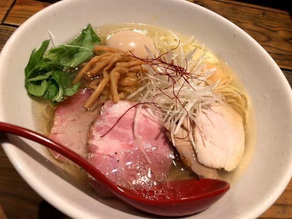 「香彩鶏だし特製塩らーめん」@麺屋 翔 本店の写真