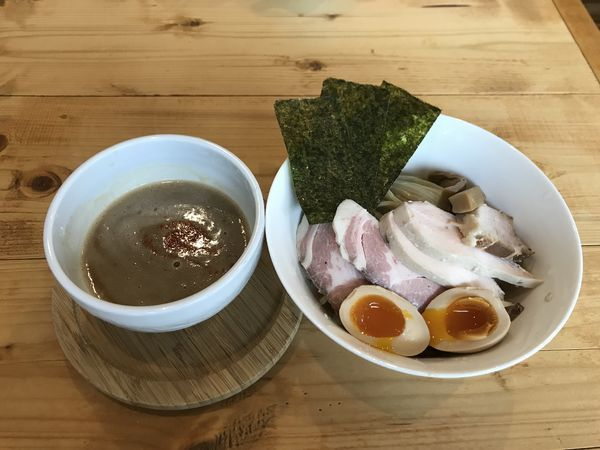 「鶏つけ麺【300g・特製のせ】」@いえろうの写真