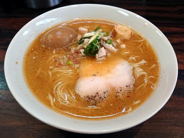 「鯵煮干し中華そば(冬)+肉ご飯」@中華そば 梟の写真