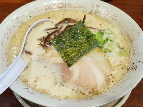 「豚骨塩ラーメン ¥550」@二代目 哲麺 八王子店の写真