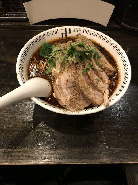 「チャーシューダブル大盛り+辛さ増し+スパイス増し」@スパイス・ラー麺 卍力の写真