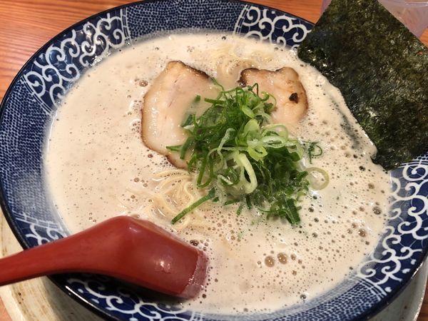 「博多とんこつラーメン」@博多ラーメン鶴亀堂 三芳藤久保店の写真