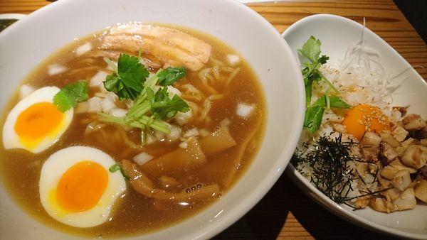 「醬油ラーメン+チャーシュー丼」@らぁめん とれびの写真