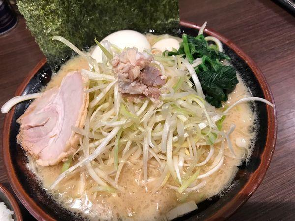 「とんこつ醤油ネギラーメン 味玉」@横浜家系ラーメン 百家の写真