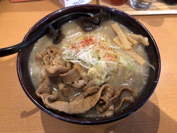 「炙り豚味噌らーめん」@一期一会 札幌みその 上尾店の写真