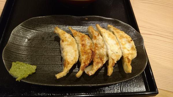 「肉汁おとど餃子」@餃子楼 おとど餃子食堂 本八幡駅前店の写真
