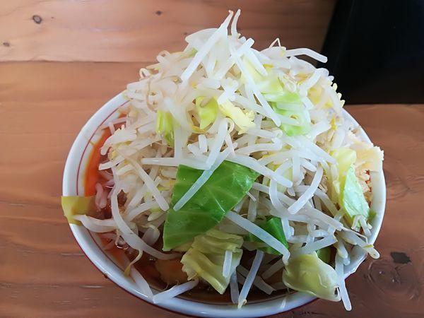 「辛麺(ヤサイニンニク増し)800円」@ラーメン幸豚の写真