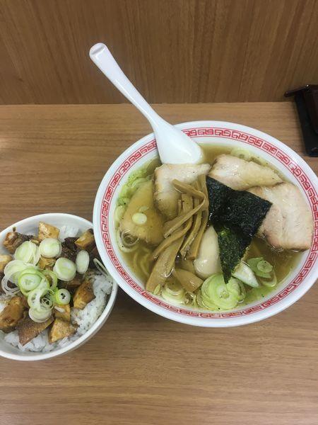 「塩ラーメン全部のせ+チャーシューご飯」@中華そば・つけめん 甲斐 高円寺店の写真