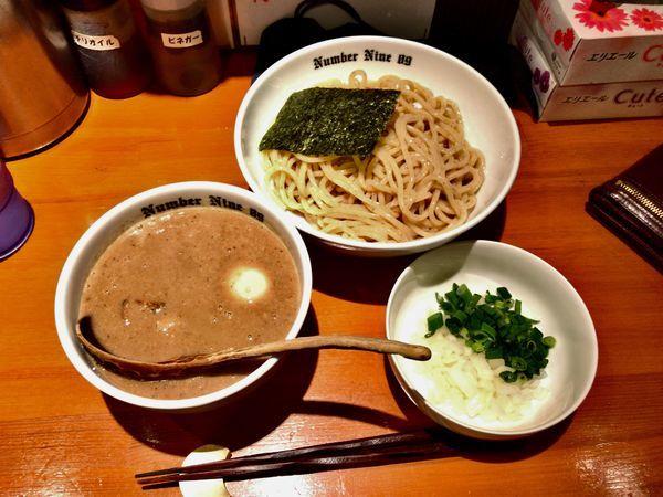 「濃厚つけめん+煮干し+味玉+ネギ」@麺Dining Number Nine 09の写真