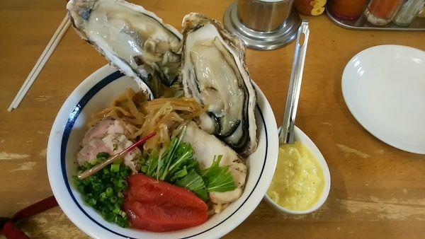 「(気まぐれ限定)活牡蠣和え蕎麦 B 牡蠣2コ+一本タラコ」@MENYA 食い味の道有楽の写真