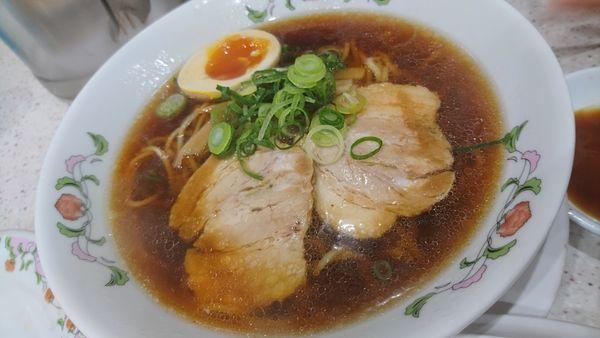 「醤油ラーメン、炒飯セット、酢豚などなど」@餃子の王将 経堂店の写真
