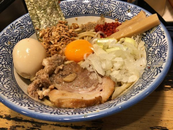 「まぜそば+味玉」@狼煙 〜NOROSHI〜の写真