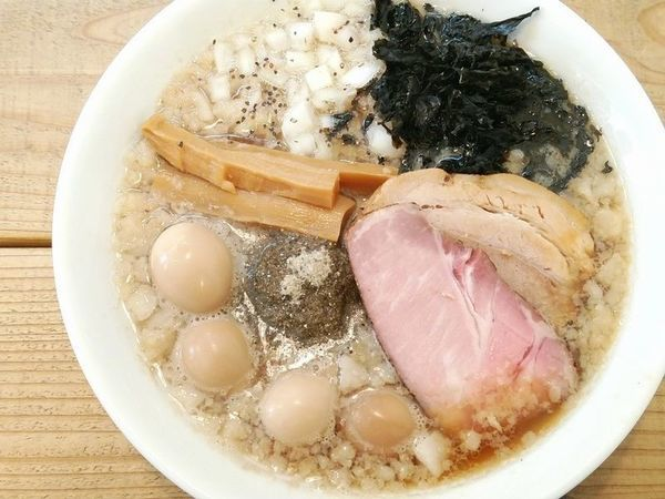 「Swallowらぁ麺+うずらの味玉」@The Noodles & Saloon Kiriyaの写真