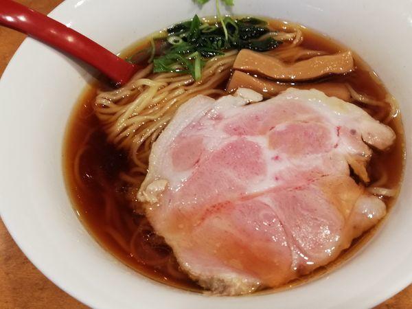 「鶏油醬油らーめん」@麺屋 紅の写真
