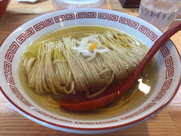「中華そば白醤油(梅)」@自家製麺 くろ松の写真