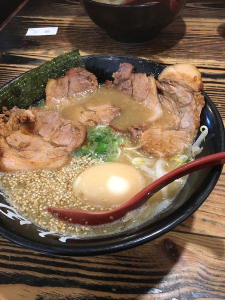 「チャーシュー麺 味玉 高菜」@ら〜めん村田屋の写真