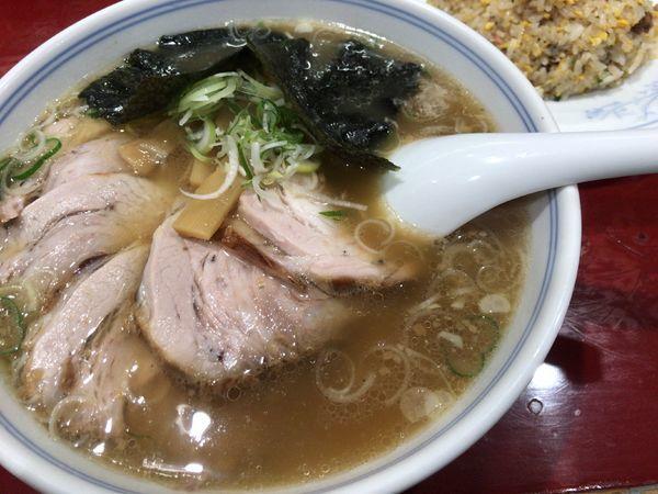 「チャーシュー麺半チャーハンセット1000円」@喜久の写真