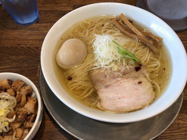 「味玉汐の旨味ソバ + ブタめし」@Tomboの写真