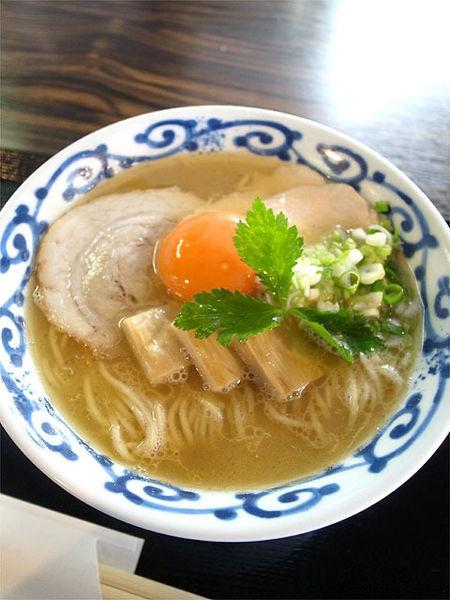 「鶏醤油白湯そば…780円」@桜木製麺所の写真