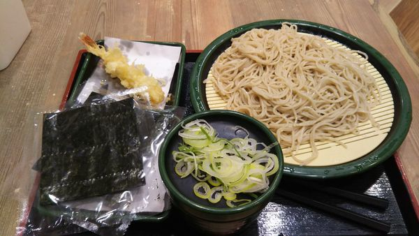 「花巻蕎麦(冷)、海老天(クーポン)」@ゆで太郎 大宮ラクーン店の写真