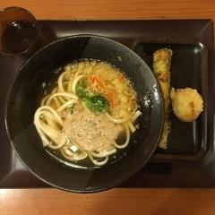 UDONつるこし 新宿京王モール店の写真