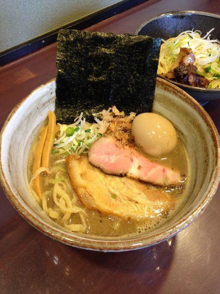 「豚そば 780円 和え玉 塩 200円 味玉 サービス」@麺屋 照の坊の写真