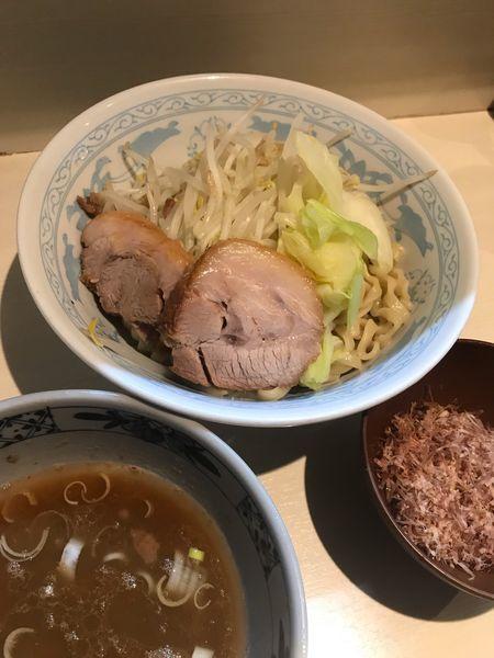 「塩つけ麺 熱盛 アブラ 削り節」@らーめん 陸 尾山台店の写真