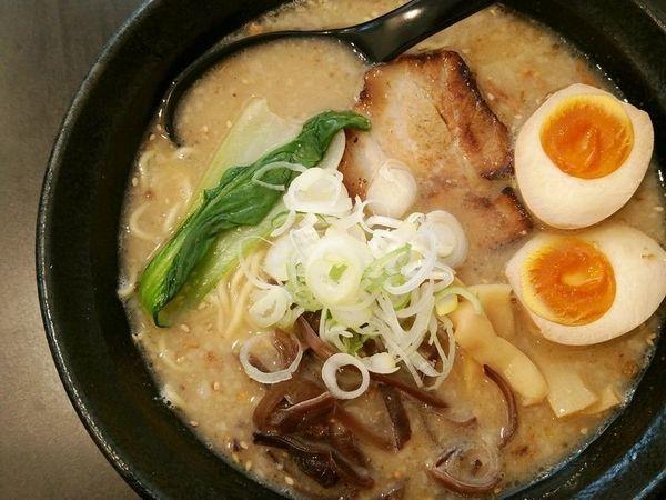 「醤油らぁめん+味付玉子」@麺屋 笹苑の写真
