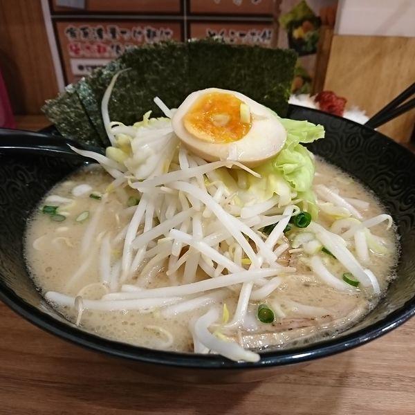 「豚骨らーめん 720えん」@横浜家系 つけ麺らーめん 春樹 与野店の写真