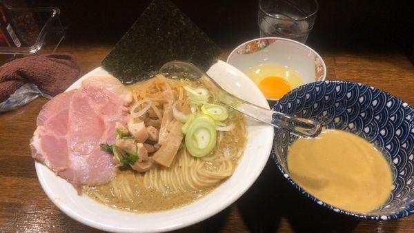 「牡蠣味噌らぁ麺 赤味噌バージョン バター醤油別盛り麺200g」@Soupmenの写真
