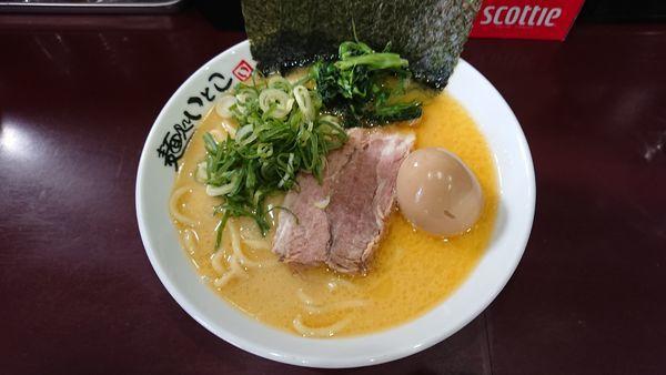 「味玉塩ラーメン(並) 820円 + みそ豚丼(中) 130円」@麺処 いとこの写真