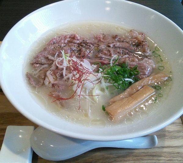 「【限定】牛骨の拉麺 1150円」@豚骨清湯・自家製麺 かつらの写真
