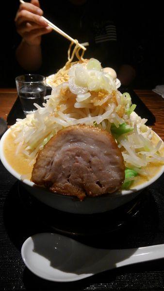 「味噌らーめん(特盛)全増し」@麺屋大和の写真