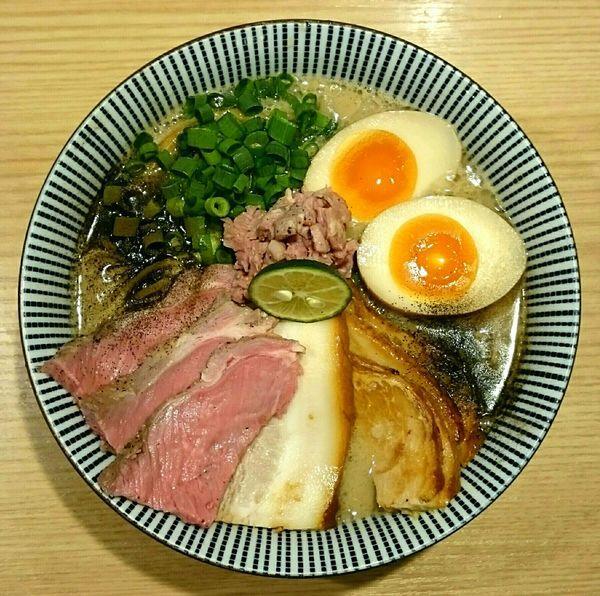 「特製ラム豚骨らーめん 替え玉」@自家製麺 MENSHO TOKYOの写真