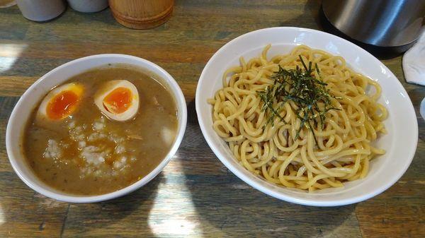 「つけ麺大盛り:甘口(900円)+味付玉子(100円)」@藍華の写真