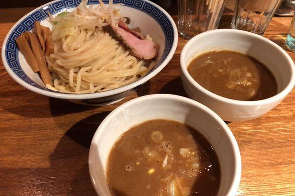 「二色つけめん(濃厚醤油、カレー)」@神保町 可以の写真