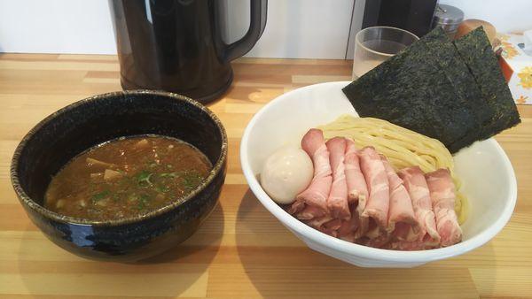 「特製濃厚つけ麺大盛り+チャーシュー」@麺処しろの写真