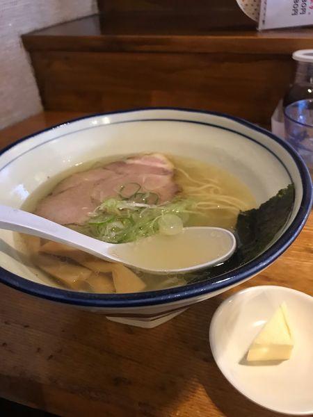 「塩バターラーメン(大盛り無料)」@上州地鶏ラーメン 翔鶴の写真