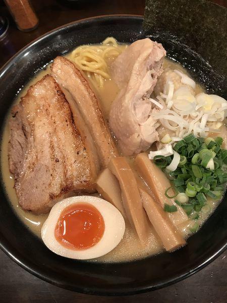 「特製濃厚鶏だしラーメン 大盛」@らーめんなが田の写真
