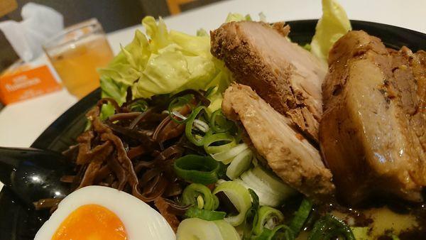 「熊本全部入りらーめん」@熊本ラーメン 麺王の写真