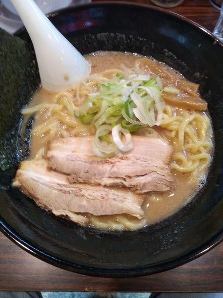 「ラーメン 700円 太麺 大盛」@ラーメン長山の写真
