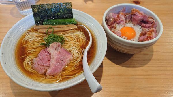 「らぁ麺(醤油)中盛り 豚ユッケ風ご飯」@麺屋 さくら井の写真