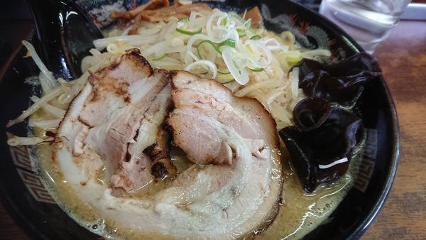 「味噌ラーメン+大盛り」@北海道ラーメン コシ屋 西川口店の写真
