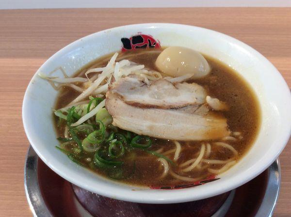 「煮卵入りラーメン」@徳島らーめん にし利の写真