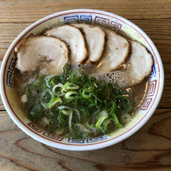 「チャーシュー麺+替玉」@博多だるまの写真