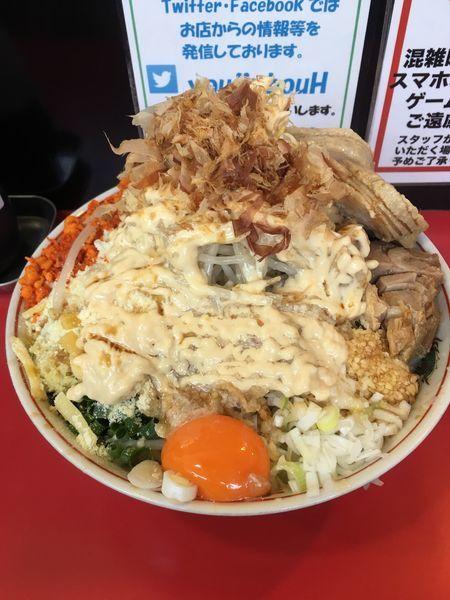 「まぜそば大+豚2枚+チーズ」@用心棒 本号の写真