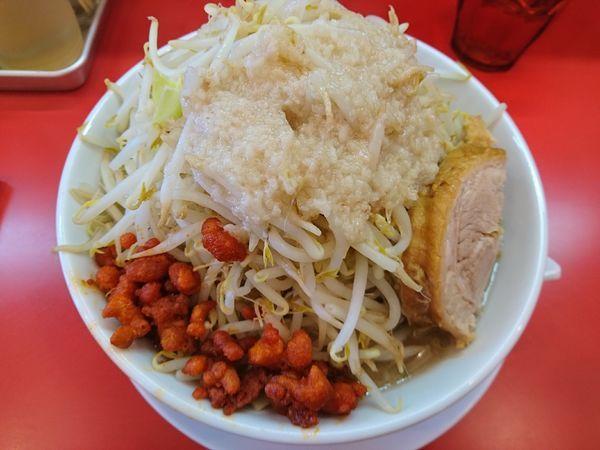 「ラーメン(野菜増し、辛玉、アブラ)」@自家製麺 ダイサンの写真