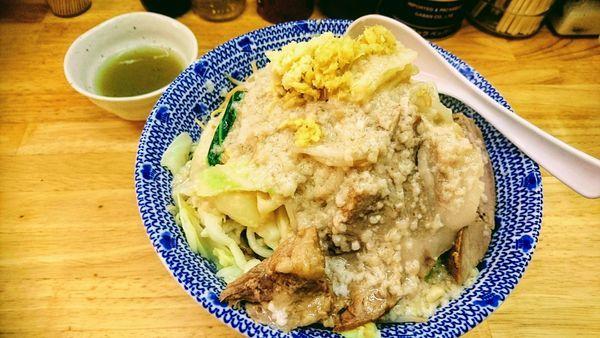 「【期間限定】塩油そば(大・ニンニク・ショウガ)+アブラマシ」@らーめん きじとらの写真