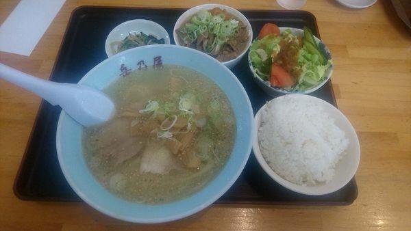 「平日ランチ限定『もつ煮セット+塩に変更(¥900+20)』」@青竹手打麺 餃子 岳乃屋の写真